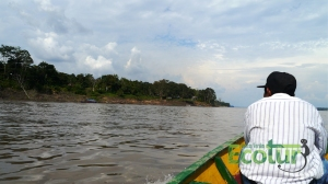 navegando-rio-amazonas